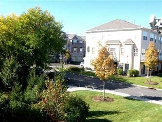 2 Bedrooms 2.5 Baths Townhouse Secaucus